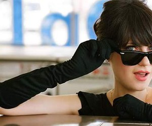 zooey deschanel, fashion, and glasses image
