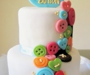 buttons and cake image