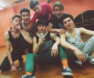 Hot, youtubers, and o2l image