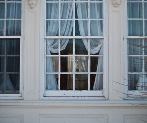 window and white image