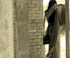hijab, muslim, and scarf image