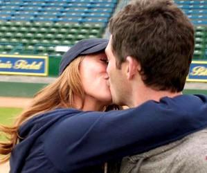 Jennifer Love Hewitt, kiss, and tv-show image