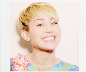 miley cyrus, smile, and Queen image