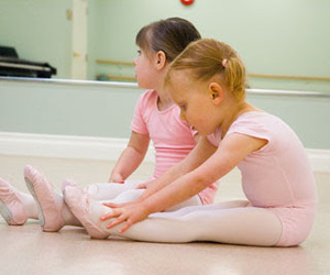 girl and ballet image