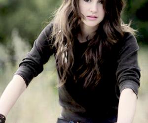 Shailene Woodley and actress image