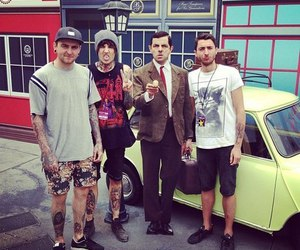 bring me the horizon, bmth, and mr bean image