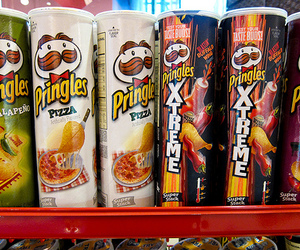 pizza and pringles image