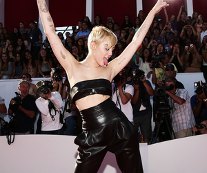 famous, miley cyrus, and mtv image
