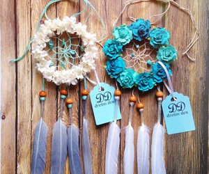 dream catcher, flowers, and dreamcatcher image