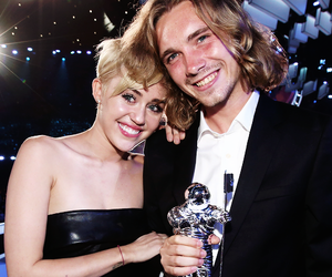 miley cyrus and jesse image