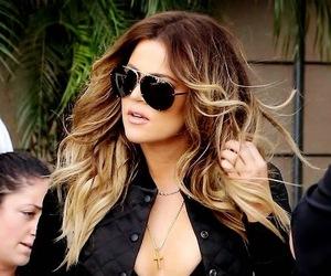 khloe kardashian and kardashian image