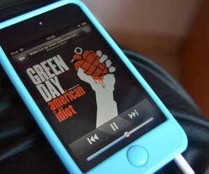 green day, i pod, and wake me up when september ends image
