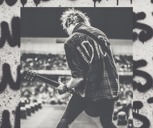 5sos, michael clifford, and idiot image