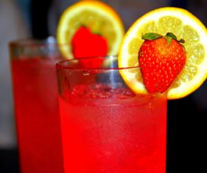 drink, strawberry, and lemon image