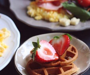 delicious, waffle, and yummy image