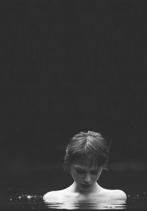 Tumblr Sad Girl Photography Black And White