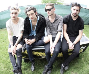 band, matty healy, and indie image