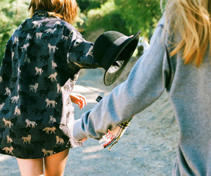 girl, friends, and vintage image