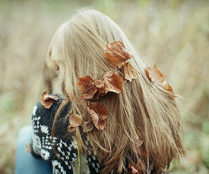autumm, blonde, and leaves image