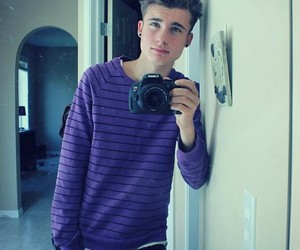 weeklychris, chris collins, and boy image
