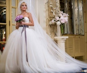wedding, dress, and kate hudson image
