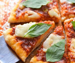 dough, italian, and margherita image