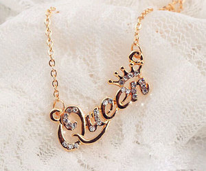 Queen and necklace image