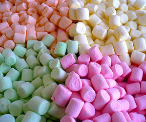 marshmallow, food, and pink image