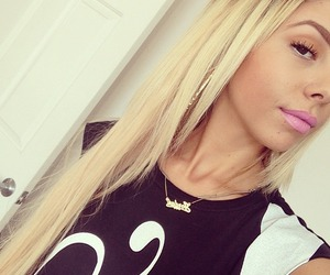 blonde, fashion, and lil debbie image