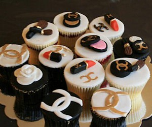 beautiful, chanel, and cupcake image