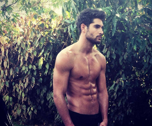 Hot Guys With Abs