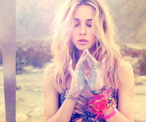 gillian zinser, 90210, and ivy image