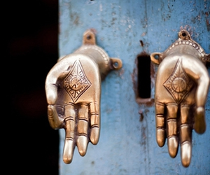 door and india image