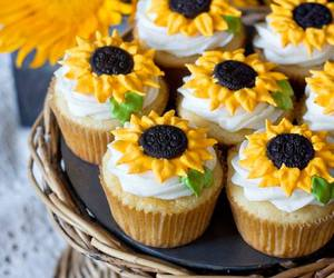 cupcakes and sunflowers image