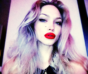 blonde, red lips, and ivy levan image