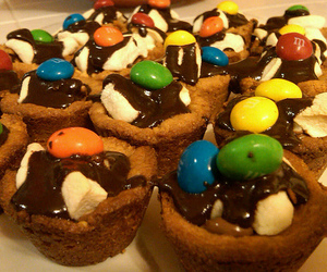 cupcakes, food, and m&m's image