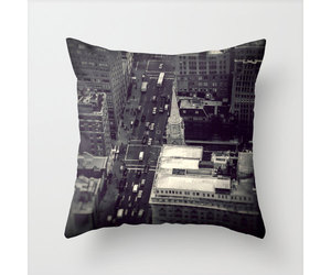 bedroom, black and white, and manhattan image