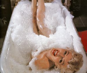 Marilyn Monroe, bath, and sexy image