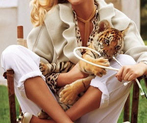kate upton and tiger image