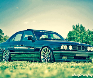 bmw, v8, and 540 image