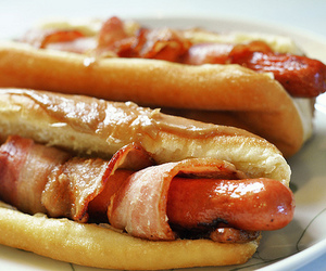 food, bacon, and hot dog image