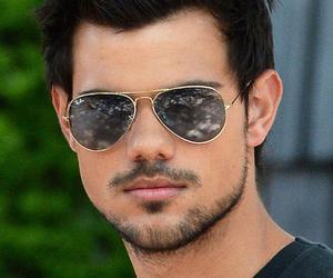 Taylor Lautner image