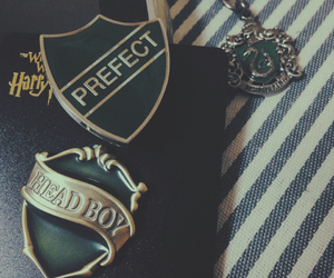 accesories, slytherin, and badge image