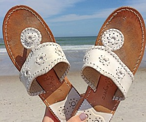 beach, preppy, and jack rogers image