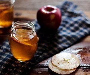 apple and honey image