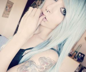 blue hair, alt girl, and dyed hair image