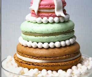 cake and macaroons image