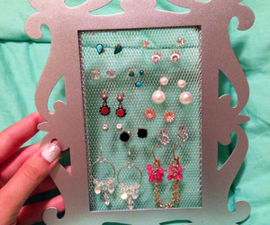 diy, picture frame, and earrings image
