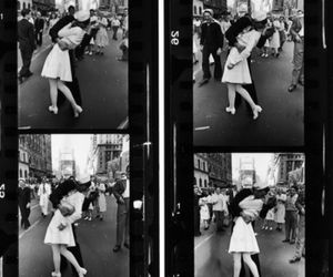 1945, time square, and kiss image