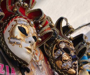 venice and mask image